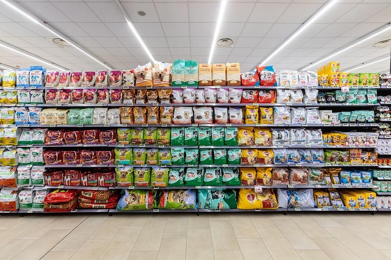 もう悩まない!おすすめキャットフード50商品と人気ランキングを紹介|猫ごはんの基礎知識と選び方を解説
